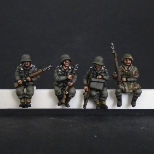 GERMAN PANZERGRENADIERS FOR SDKFZ 251.250 . 1/72